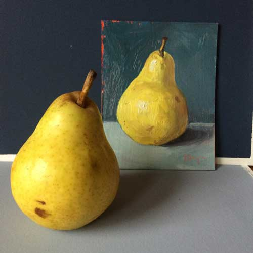golden_pear_still_life_set_up_tw
